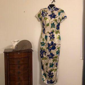The head turner dress medium
